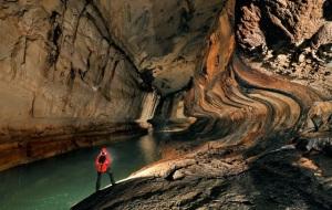 Egy a sok barlang közül Borneo szigetén